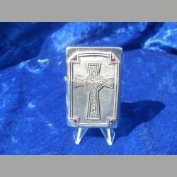 Feuerzeug mit Kreuz